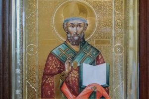 Св. Николай Чудотворец (в киоте)