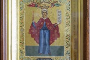 Параскева Пятница (икона в киоте)